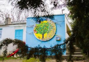 フレネ学校の外トイレ壁画