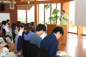 汐見先生開会のあいさつ